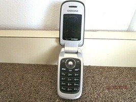 Samsung  Verizon Silver Flip Cell Phone For Parts - H6 - $9.49