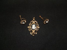 COLLECTIBLE vintage1950's cameo set broach/pin ... - $24.74
