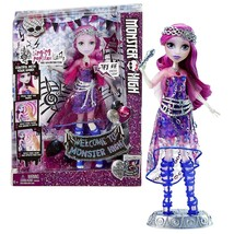 Mattel Year 2015 Welcome to Monster High Series 11 Inch Tall Electronic ... - $39.99