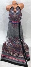 BEBE GORGEOUS HIGH LOW PRINTED HALTER MAXI DRESS Size M - $1.246,25 MXN