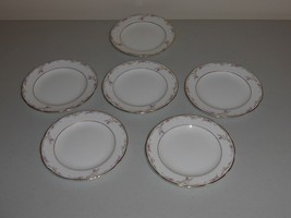 6 WEDGWOOD CARISBROOKE PATTERN BREAD AND BUTTER PLATES - $40.00