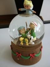 Hallmark P EAN Uts Nativity Musical Snow Globe Snoopy Woodstock Snowglobe Tested - $19.80