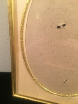 """Vintage 40s gold ornate 6 1/2"""" x 8 1/2"""" frame with gold edged oval mat  image 3"""