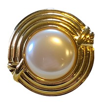Vintage Monet Signed Gold Tone & Faux Pearl Circular Shaped Brooch Pin C... - $14.80