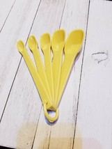 Vintage Yellow Gold 5 Piece Measuring Spoons #2235 2234 2233 2232 2231 - $12.07