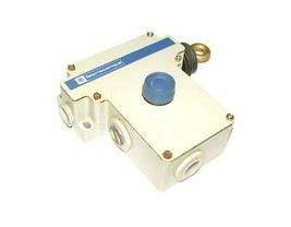 TELEMECANIQUE XY2 CE1A250 RIGHT HANDED PULL CABLE SWITCH WRESET - $100.18