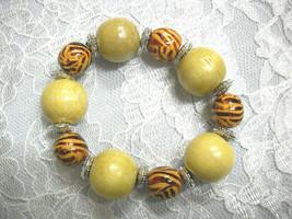 New Chunky Bold Safari Zebra & Cream Lt Brown Color Wood Beads Stretch Bracelet - $5.99