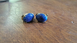 VINTAGE BLUE GLASS OPALESCENT STONE W/ GOLD FLECKS CLIP EARRINGS WESTERN... - $4.74