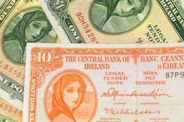 1968-1976 The Central Banque De Irlande 10 Shillings & 1 Livre ( Vg-Vf )... - $57.17