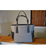 Authentic Michael Kors Voyager EW Tote Shoulder Bag Navy Ivory Signature... - $197.99