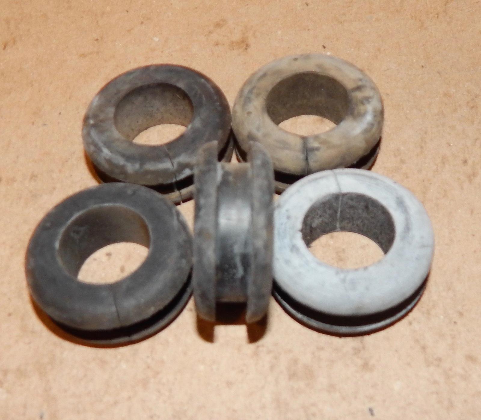 """Soft Rubber Split Grommets For Easy Insertion 5//16/"""" Hole 15 Each 156L"""