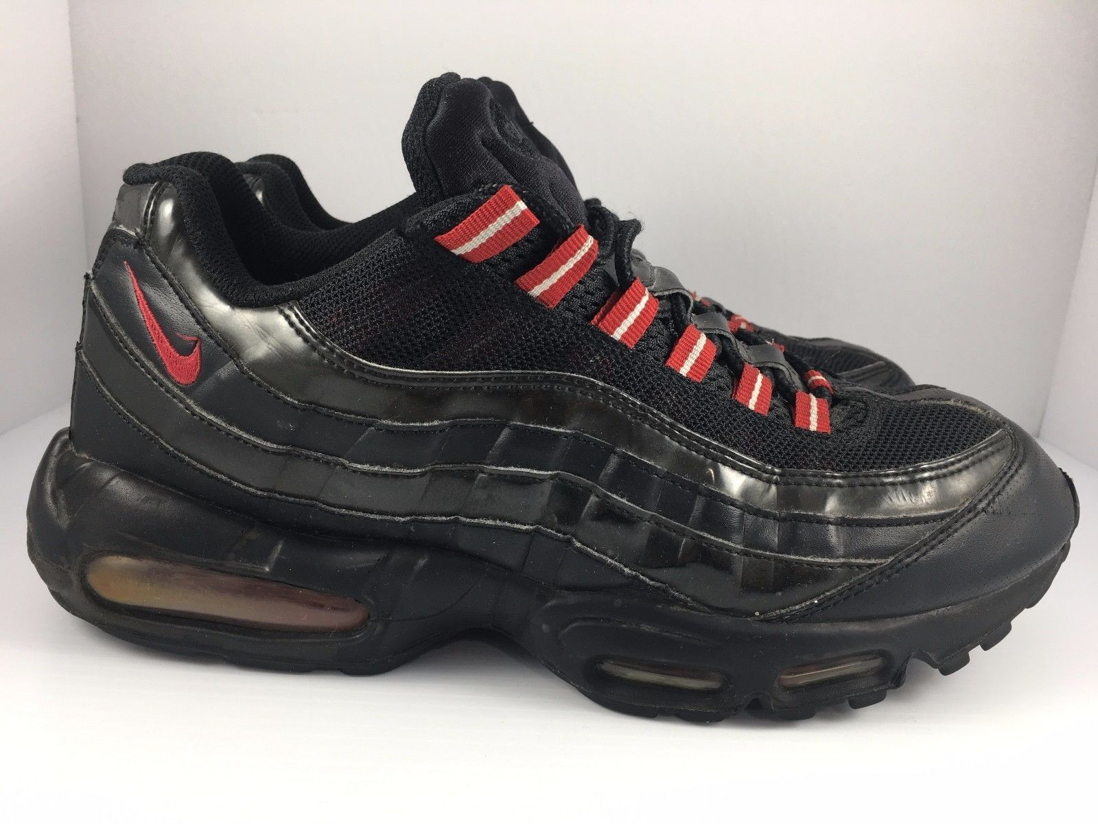 meet 00a59 16223 Nike Air Max 95 size 10.5 Black Patent Black + Varsity Red Sneakers  609048 -037