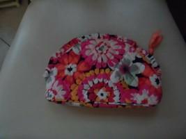 Vera Bradley ruffle cosmetic in Pixie Blooms pattern NWOT - $16.95