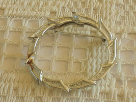 Vintage Gerry's Large Leaf Wreath Silver Tone Pin Brooch - €2,69 EUR