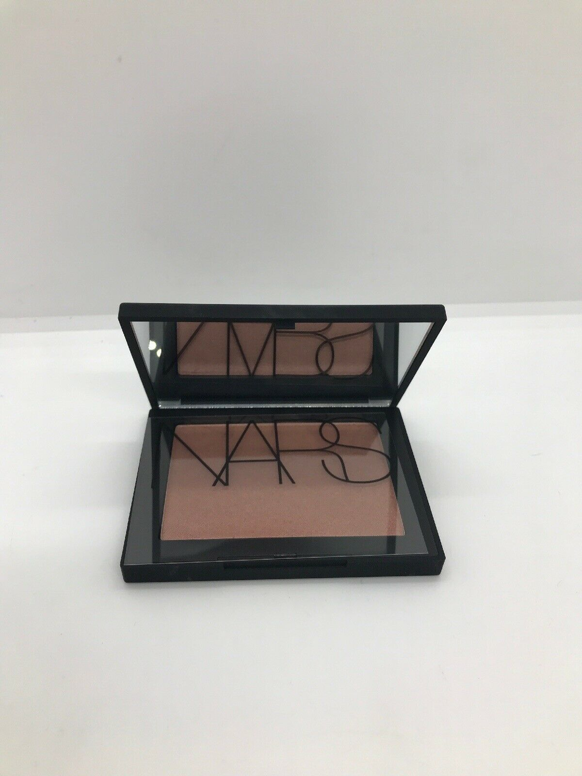 Primary image for Nars Highlighting Powder - Maldives 0.16oz (4.8g)