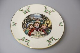 Vintage Royal Doulton annual Christmas holiday collectors plate 1981 carolers - $31.31