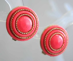 Mid Century Modern Coral Plastic Gold-tone Clip Earrings 1960s vintage - $10.40