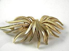 Abstract Coro Golden Tone Signed Brooch vintage Jewelry Pin - $17.99