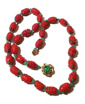 VINTAGE LARGE GLASS STRAWBERRIES FRUIT TEXTURED BUMPY GREEN RED NECKLACE - $85.00
