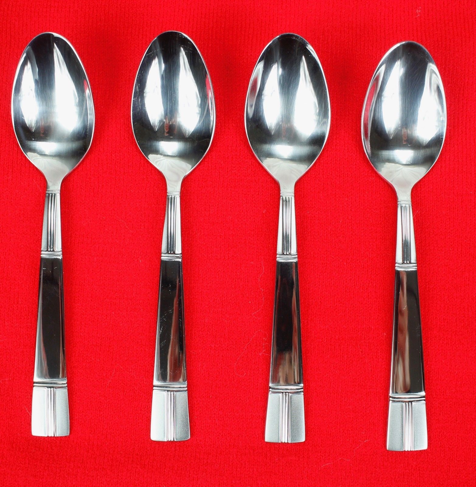 4X Teaspoons Spoons Towle Living Collection TWS515 Stainless Glossy Flatware