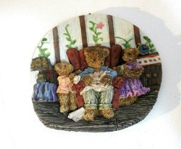 Resin Bear Wall Plaque 3D Papa Bear with Son and Daughter Sitting in Cha... - $4.95