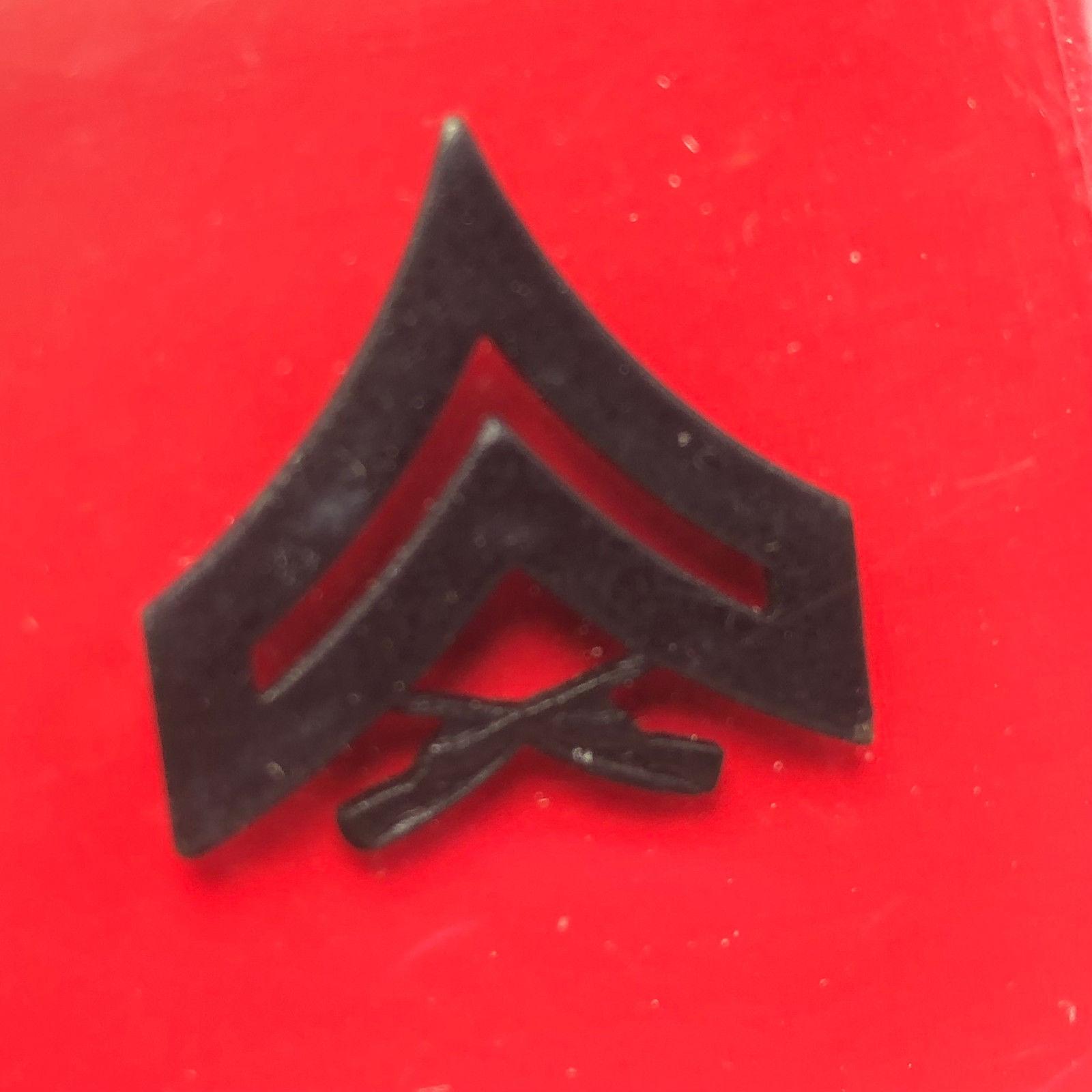 Vanguard Insignia Military Pins Pinbacks Nib and 50 similar