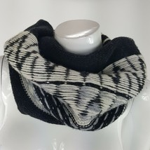 Gap Snood Scarf Warmer Black Gray White Knit Fair Isle Wool Blend One Si... - $13.09