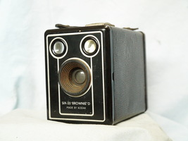 Kodak Six 20 Brownie Model D Classic Vintage Box Camera - Nice - - $12.00