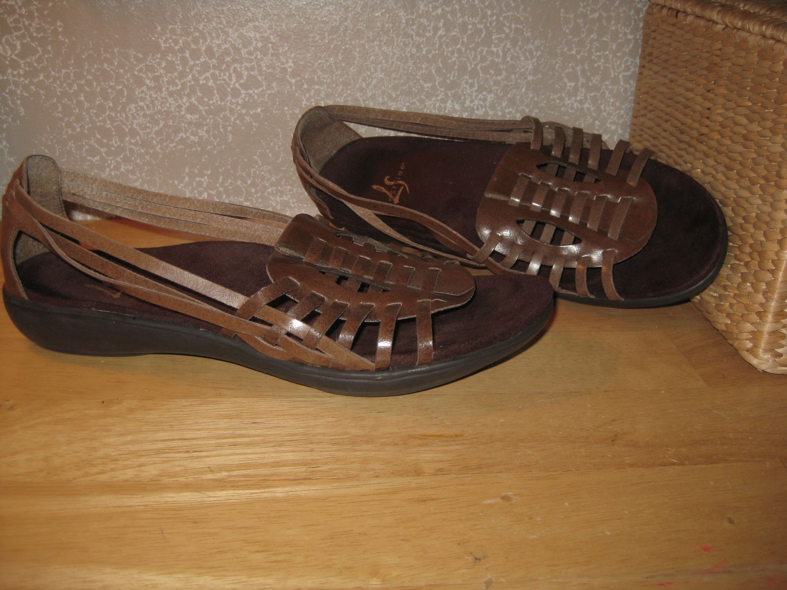 db206d0984e4 Womens 9.5 9 1 2 Lifestride Brn Faux Leather and similar items