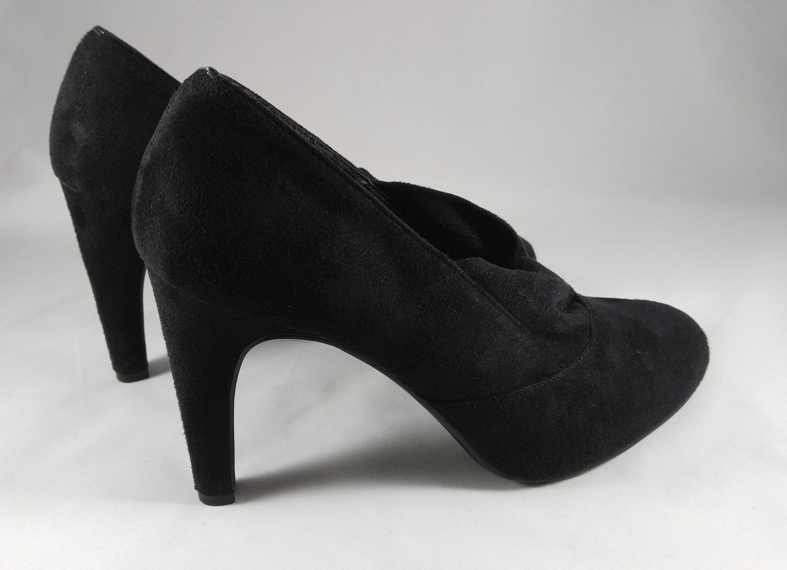 Ann Marino 1930s Style Classic Pumps Heels Shoes Black Vegan Suede