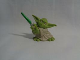 2004 Hasbro Star Wars Galactic Heroes Yoda Jedi Master PVC Figure  - $1.93