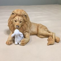 Enesco Peace On Earth Lion and Lamb Figurine By Betty Chaisson 1987 - $16.82