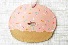 Personalized Donut Ornament, Doughnut Ornament, Food Ornament, Bakery Or... - $12.99