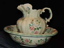 Pitcher and Wash Basin AA20-7287 Vintage