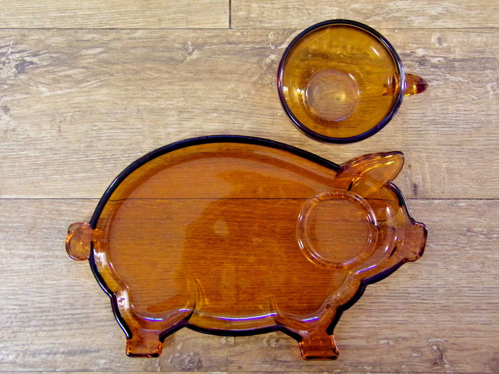Tiara Indiana Glass Amber Pig Lunch Plate And Cup