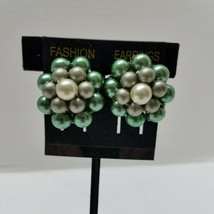 Earrings Emerald Green Vintage Simulated Pearl Cluster Silver Tone Clip - $15.83