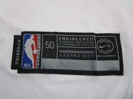 MICAHEL JORDAN / NBA HALL OF FAME / AUTOGRAPHED CHICAGO BULLS PRO STYLE JERSEY image 5