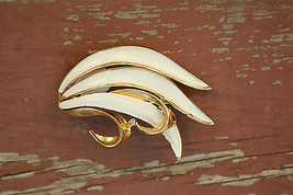 Old Vintage Gold Tone & White BSK B.S.K.Pin Brooch Jewelry Art leaf like Signed - $9.99