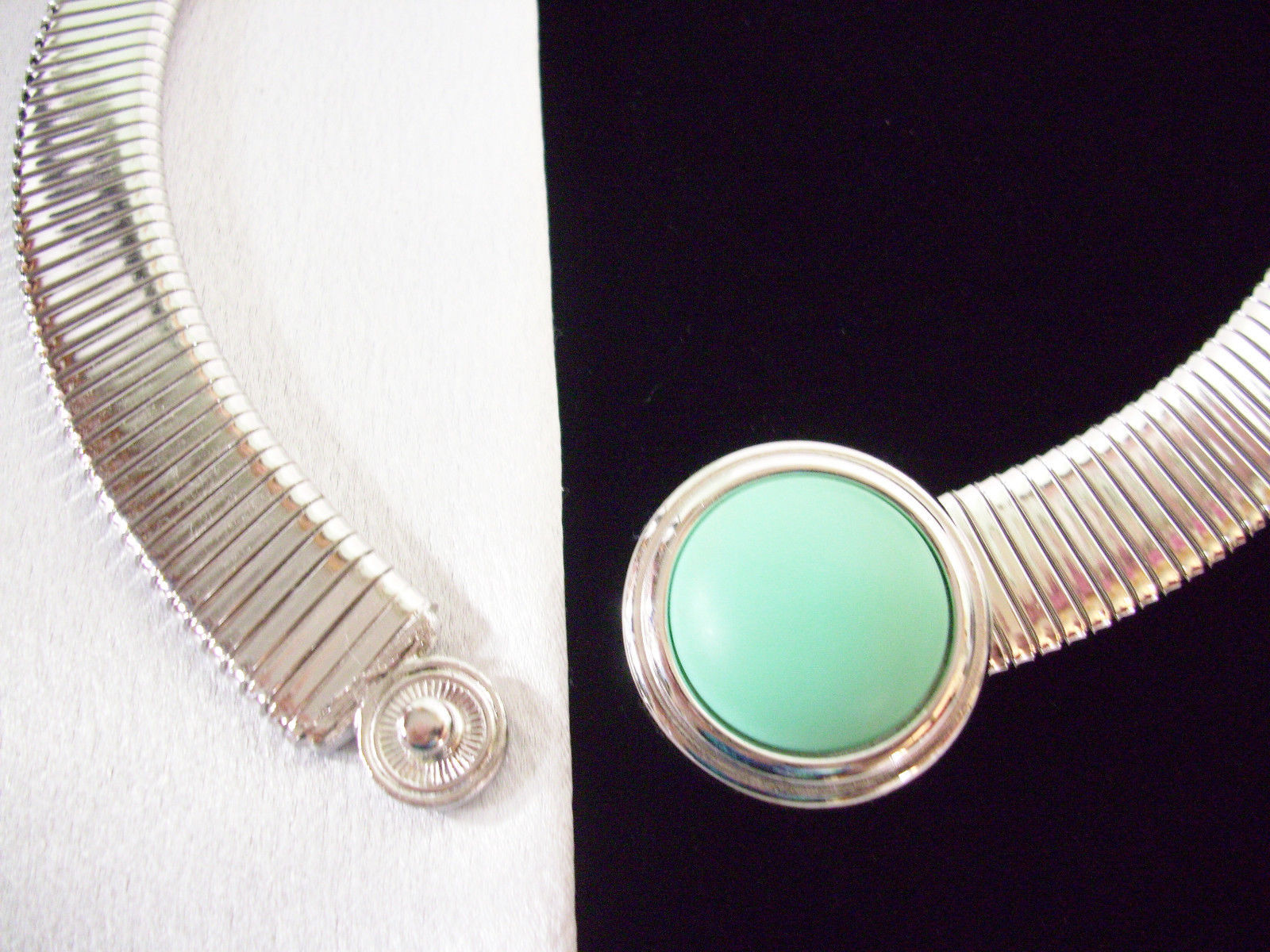 MONET TURQUOISE Accent Wide Omega Chain Necklace Silver Plate Choker Vintage WOW