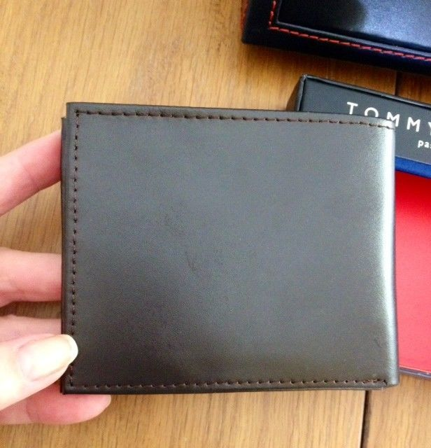 Tommy Hilfiger Trifold Passcase Wallet New In box with Tag Brown Leather image 5