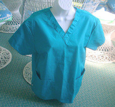 ❤️ Dickies Medical Scrub Top Green V-NECK Size Small - $11.45