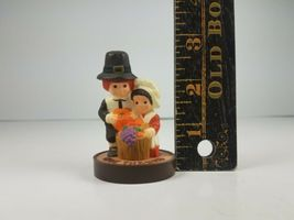 Hallmark Thanksgiving Pilgrims Couple Kneeling Give Thanks Merry Miniature  image 8