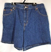 Levi's Women's Relaxed Denim Shorts Waist 32 Size 11 - $18.28