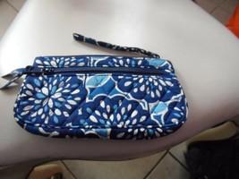 Vera Bradley front zip Wristlet wallet in Petal Splash - $24.50