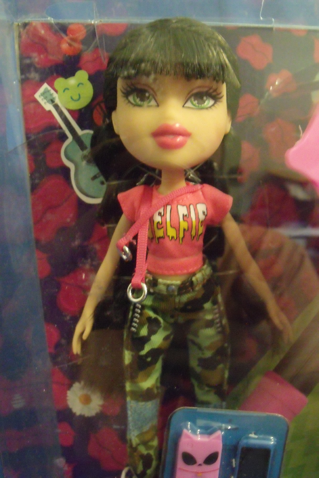 Dolls Toys New MGA Bratz Jade Doll with Selfie Stick 9 inches