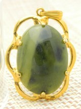 Green Agate Stone Gold Tone Flower Necklace Pendant Vintage - $24.74
