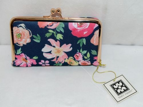 Mary Square 20280 Vintage Floral Pouch Removable Plastic Daily Pill Container