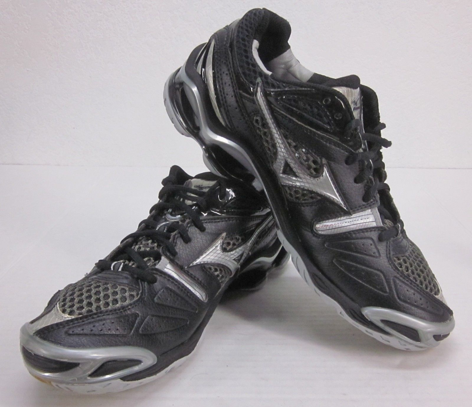 mizuno volleyball shoes uk 50
