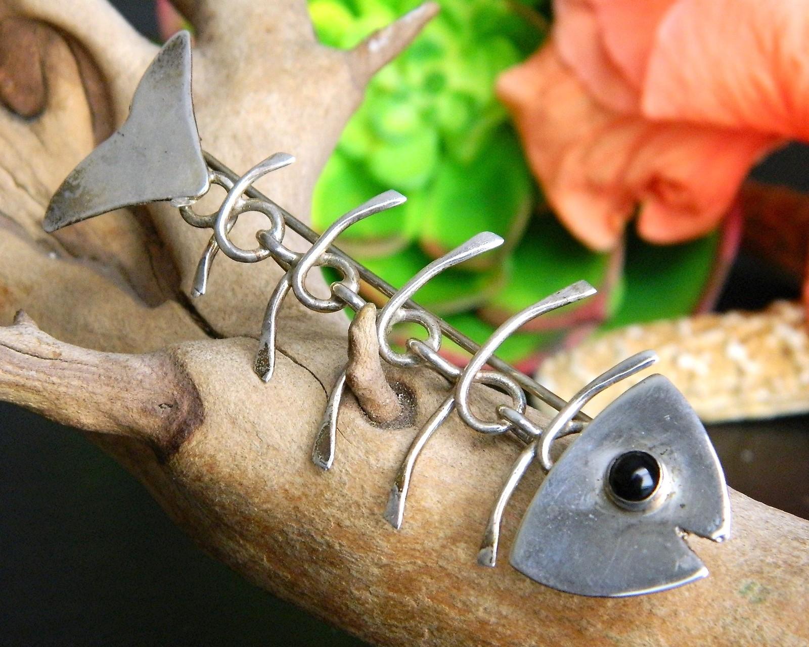 Vintage gfmw sterling silver great falls metalworks bone fish brooch
