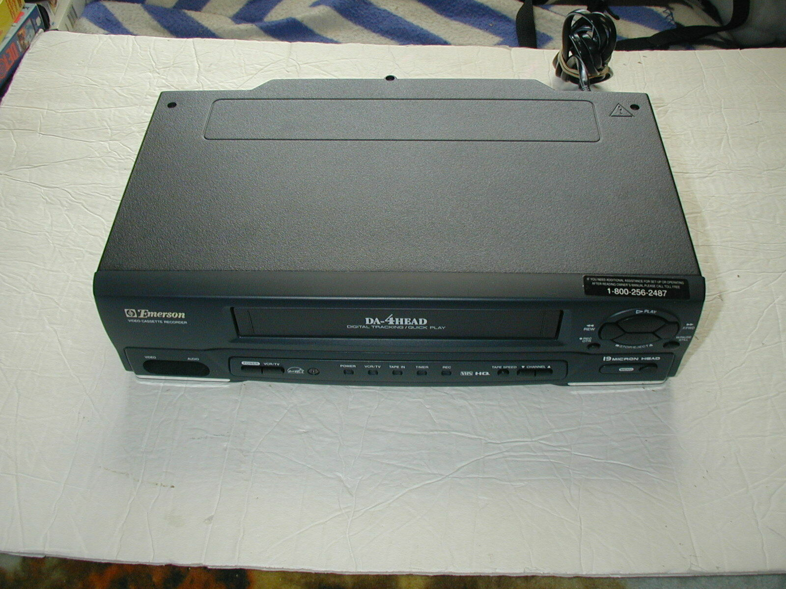 EMERSON EWV401B VCR Player/ Recorder VHS FOR PARTS OR REPAIR - $14.84